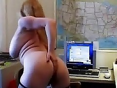 Busty cougar feels horny