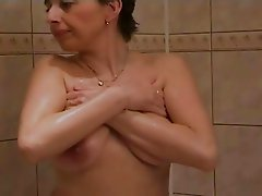 Hot Amateur Milf  2