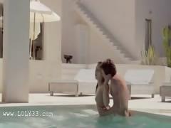 Super sensitive sex in the swimmingpool