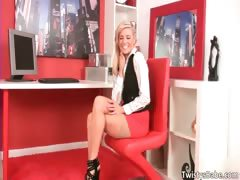 Sexy blonde hoe Anna Lovato shows part1