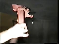 WF99 - Handjob unterm Tisch - Frau wichst geil