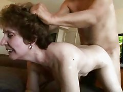 Hot Amateur Gran Gets Her Shaven Haven Fucked !