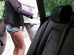 Russian teen tricked by her taxi driver