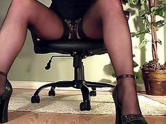 Leggy Secretary Under Desk Mastu...