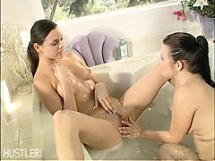 lesbian fuck in the bath tub