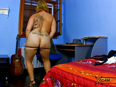 rose kisu webcam - chubby blonde dancing on the cam
