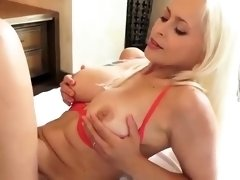 Stacked blonde mom gets her juicy cunt eaten out and drilled