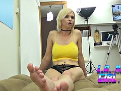 Blonde confidante loves talking about her sexual experiences