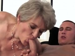 Nasty granny likes it hard