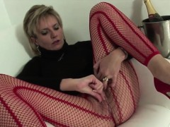 Unfaithful uk mature lady sonia flashes her enormous boobies