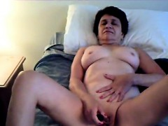Mature MILF Loves To Talk Dirty Amd Masturbate