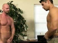 Old man fucks younger in toilet gay porn Pervy manager