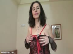 Dirty mature slut gets horny taking part4