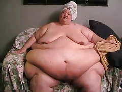 Amazing SSBBW walking