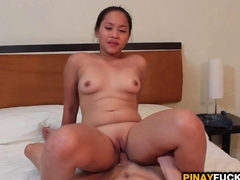 Filipina Amateur Sophia Blows And Gets Pumped